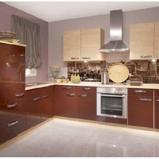 """Фартук для кухни из серии """"Город"""". В коричневом цвете.  Стандартные размеры:  - 300 CM (Ширина) X 60CM (Высота)  Наполнение: стеклянная панель размером 300х60 см."""