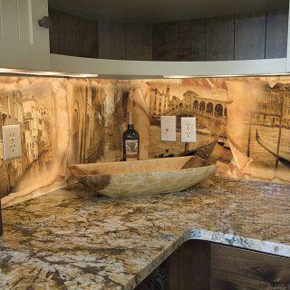 """Фартук для кухни из серии """"Винтаж"""".  Стандартные размеры:  - 300 CM (Ширина) X 60CM (Высота)   Наполнение: стеклянная панель размером 300х60 см."""