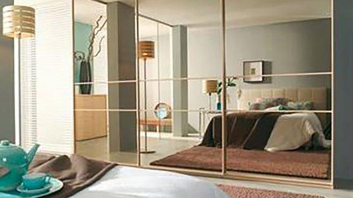 3-дверный шкаф-купе с зеркальным фасадом Серебро