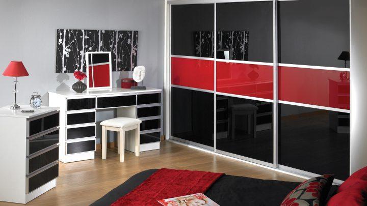 3-дверный шкаф-купе REF-1586 черно-красный