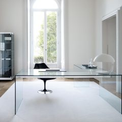 кофейный столик из стекла