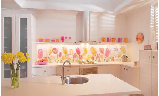 скинали серии цветы. яркие тюльпаны