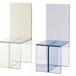 Стулполностью выполненный из прозрачного закаленного стекла - уникальное решение для любого интерьера. Толщина стекла: 8 мм. Размеры: 770мм(высота)х570мм(длина)х700мм(ширина)