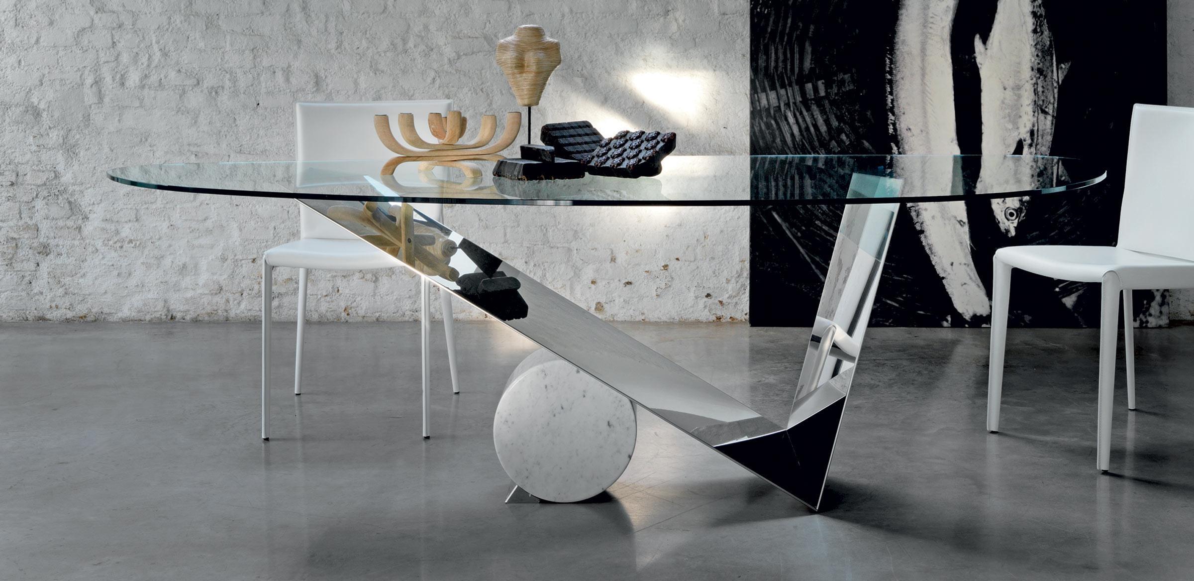 Мебель из стекла: виды, фото