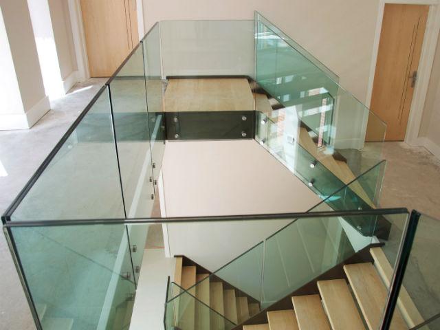 стекло для лестниц триплекс