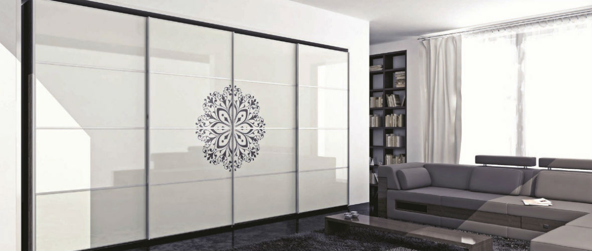 шкаф-купе со стеклом
