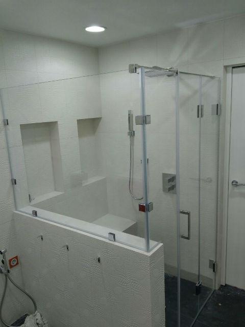 Душевая из прозрачного стекла 133 - 2