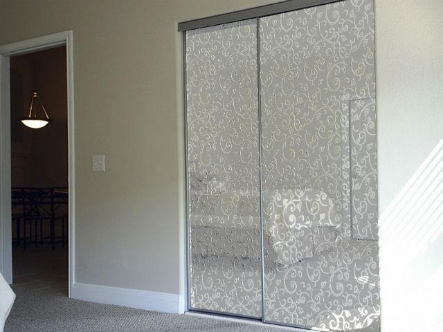 2-дверный встроенный шкаф-купе с зеркальным фасадом