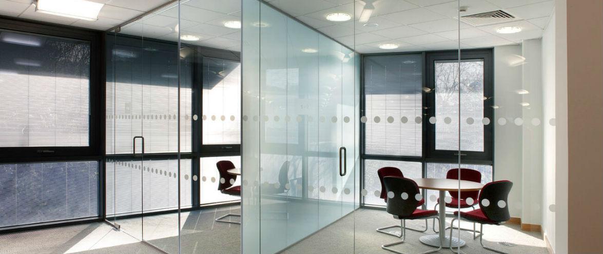стеклянные перегородки в офис